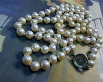 Vintage 8mm Cream Pearl Necklace
