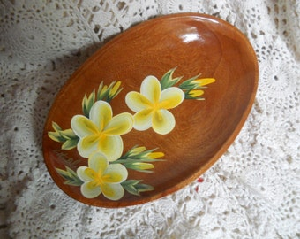 Komari wood bowl with amazing flowers hand painted