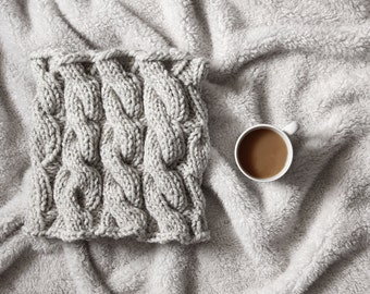 Women's Cable Knit Cowl Knitting Pattern - SINCERITY