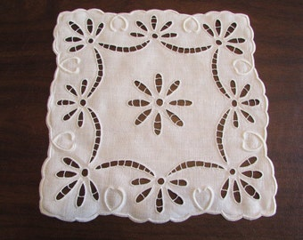 """vintage Heirloom quality Madeira SQUARE LINEN DOILY with openwork and white on white Hand Embroidery 10"""" square D-101"""