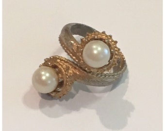 1960s Pearl Bauble Wrap Costume Ring, Size 7