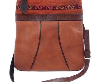Shoulder Bags Earthy