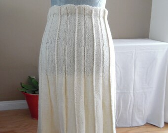 Vintage Off-white Hand Knit Skirt, Elegant, Casual, For Any Occasion. size SM