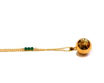 Bola green Agate necklace