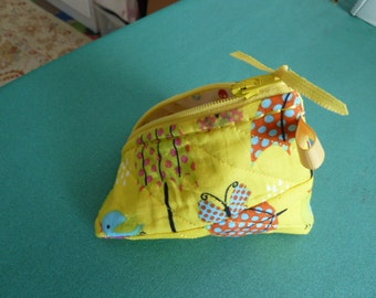 Bright Yellow Background Fabric with Poke-A-Dot Umbrellas Pyramid Bag
