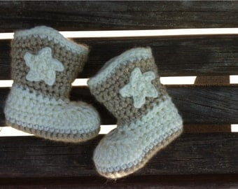 Cream and Tan Crocheted Baby Cowboy Boots // Crocheted Cowboy Boots // Western Baby Style // Infant Cowboy Boots // Photo Prop // Baby Gift
