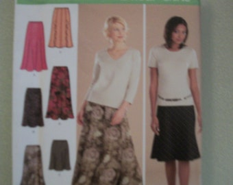 Simplicity 4881 Misses  size 6 to 12  pull on gored skirt in 2 lengths  and bias skirt in 3 lengths. 2 hour