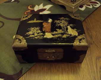 Beautiful Lacqured Asian Jewelry Box