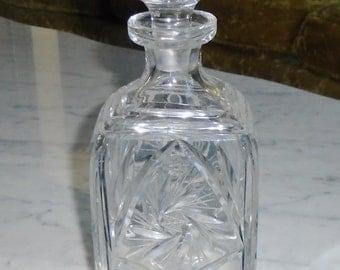 Beautiful Vintage Pinwheel Star Lead Crystal Decanter w Stopper