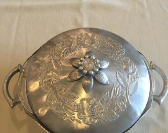 Casserole Dish-Everlast Forged Aluminum-Rose Pattern