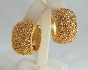 Vintage Napier Clip-Less Gold Nugget Hoop Earrings Ca 1980s Fashion