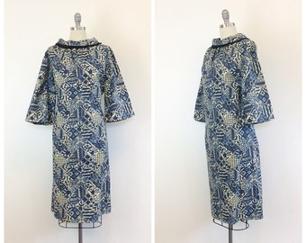 60s Blue and Cream Abstract Floral Print Day Dress / 1960s Vintage Mock Neck Fringed Cotton Day Dress /  Large / Size 12