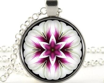 flower picture pendant necklace