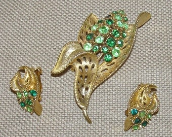 10% Sale!   LISNER Vintage Demi Parure: Floral Brooch and Earrings with Shades of Green RS