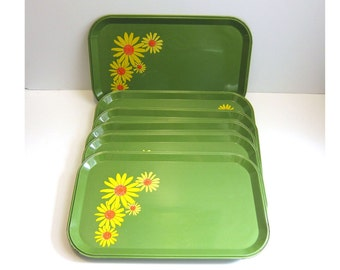 Vintage Green Metal Yellow Orange DaisyFlowers Snack Trays