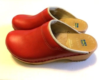 Vintage Red Leather & Wood Clogs / Size 6.5 or 37 Leather Sven Clogs