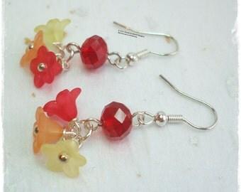Lucite flower earrings, Red flower earrings, red crystal earrings, posy earrings, bunch of flowers earrings, tiny flower earrings