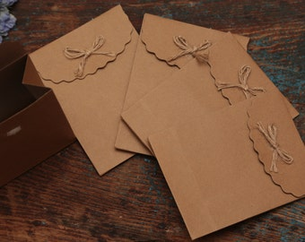 25x Natural Brown Paper Gift Bags (16cm x 12.5cm) - With Bow & Velcro - Vintage Wedding Paper Gift Bag