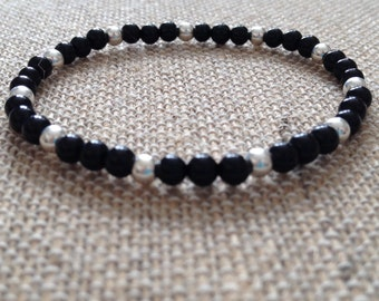 Mens 4mm Onyx stretch bracelet with Sterling Silver beads