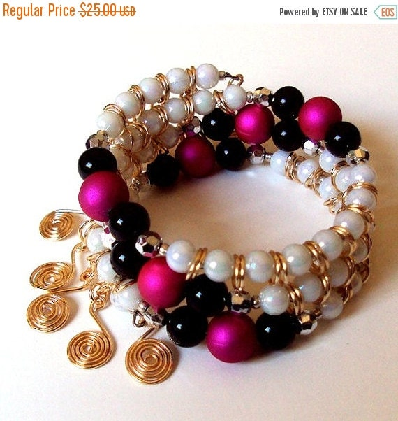 pink black and white memory wire pearl bracelet by nezdesigns