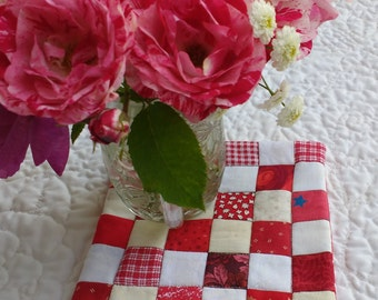 Quilted Mug Rug, Beverage Mat, Candle/Vase Mat,  Red and White, Postage Stamp style, Home or office, Approx. 5 3/4 inches square.