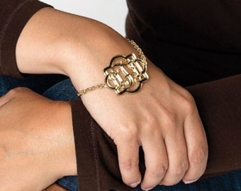 Personalized acrylic bracelet