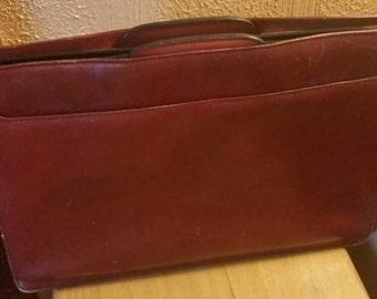Vintage men's leather burgundy/cherry briefcase attache laptop bag.
