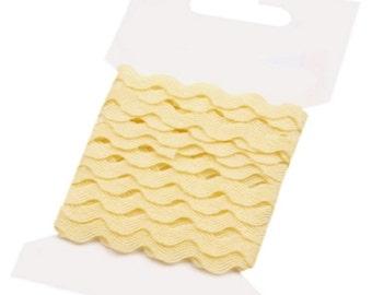 Creamy Yellow Ric Rac Ribbon Decorative Trim - 5mm x 3 Metres - FREE UK P&P