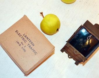 Vintage World War II- electric traffic lantern- metal- Glass - original box - Military