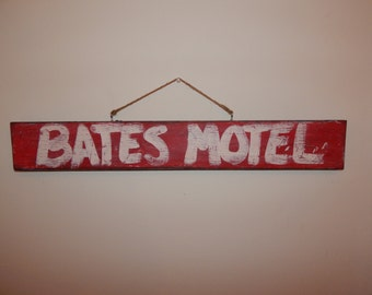 "Bates Motel/Psycho ""Bates Motel"" Hand Painted Wooden Sign (Vintage/Worn Look)"