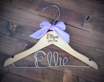 Baby Hanger, Baby Girl Hanger, Baby Shower Gift, Maternity Picture Prop, Baby Hanger with bow, Engraved Newborn Hanger