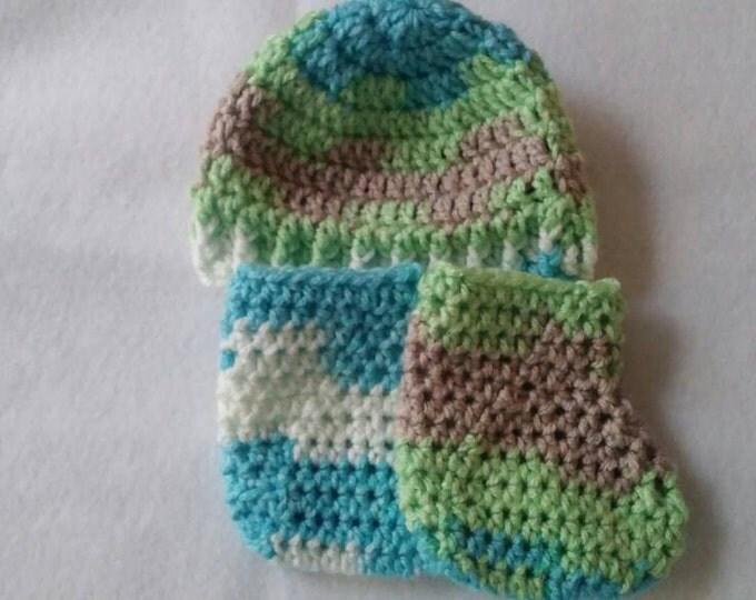 Infant gift set, baby shower gift, unisex baby gift set,