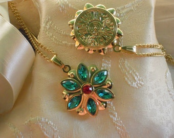Anastasia Together In Paris Necklace Anya Flower Key Charm Engraved Cubic Zirconia Emerald Siam Gold Plated 18K Cosplay