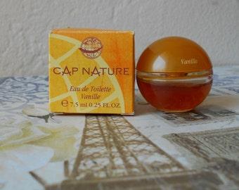 Yves Rocher Cap Nature Vanille miniature eau de toilette, 7.5 ml / 0.25 fl. oz. splash bottle