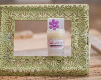 What girl doesn't like Lavenders, especially the soft, fresh scent it offers!