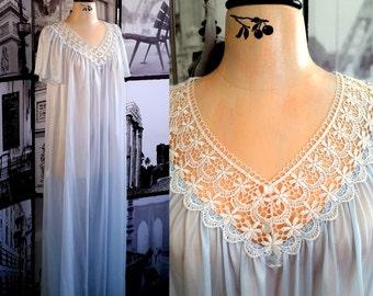 80s PLUS Sky Blue Nightgown - Beautiful Crochet White Lace - Retro Lingerie - Size XL / PLUS