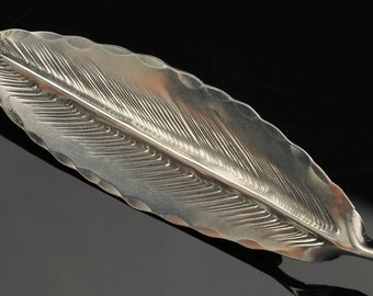 Stuart NYE Sterling Silver  Feather  Brooch