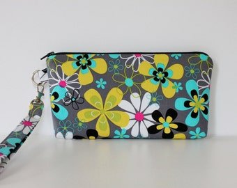Zippered Floral Pouch Wristlet