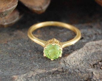 Peridot Ring, Green Ring, August Birthstone, Green Peridot, Birthstone Jewelry, Gold Ring, Gold Peridot Ring, Engagement Ring, Gold Peridot