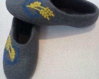 Men's felted slippers, handmade, for him