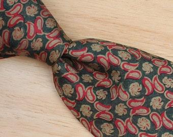 Ancient Madder Green Pattern Mens Neck Tie - Bert Pulitzer Red Vintage Silk Necktie