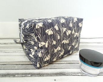 Liberty fabric box pouch, snowdrop box pouch, snowdrop makeup bag, snowdrop toiletry bag, Floral cosmetic pouch, Liberty fabric makeup pouch