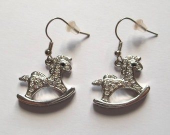 Vintage style earrings in rhodium-plated steel hobbyhorse with Rhinestones