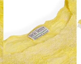 Lemon Cropped Top