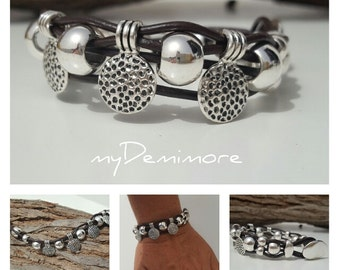 beaded leather Bracelet, buttom closure