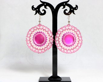 Bead weaving, soft conluna earrings, Swarovski crystals, pearls and beads. OOAK jewel in off white and Fuchsia
