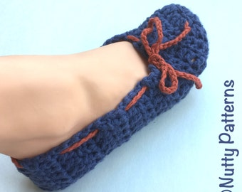 Crochet Pattern * Selena Slippers * instant  download pattern #437 * women sizes 3-12  youth sizes 1-7 * Fast and easy * PDF