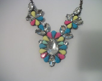 Retro 90s Pretty in Bright PASTELS Big RHINESTONE FLORALS Bib Necklace on a Chain As-Is