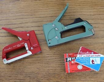 2 Vintage Staple Guns / Red Swingline Stapler / Green ARROW stapler / Vintage tools/ staple gun