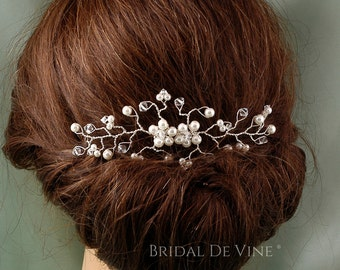 Pretty Bridal Hair Vine with Pearls and Crystals -  Made with CRYSTALLIZED™ - Swarovski Elements